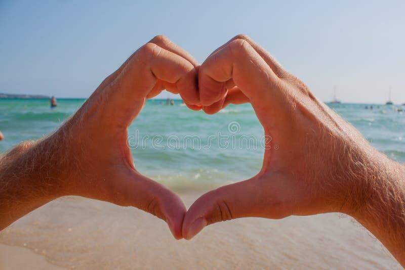 Download Сердце стоковое изображение. изображение насчитывающей людск - 33729185