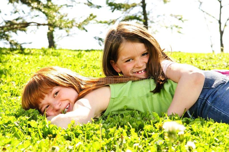 сестры молодые стоковые изображения rf
