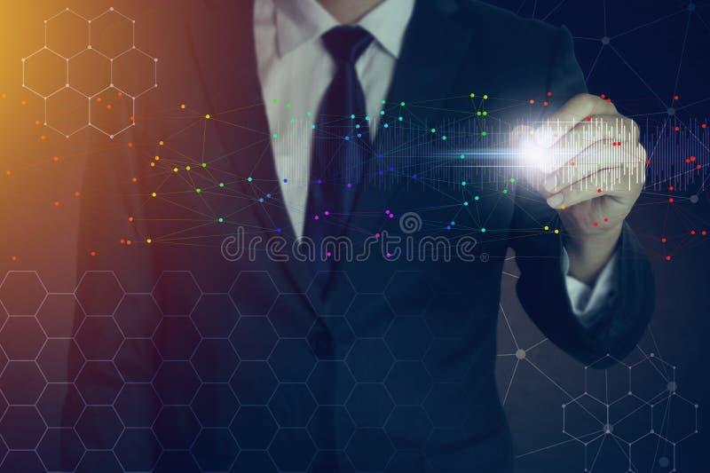 Сетевое подключение руки бизнесмена касающее, tecnology дела стоковые изображения rf
