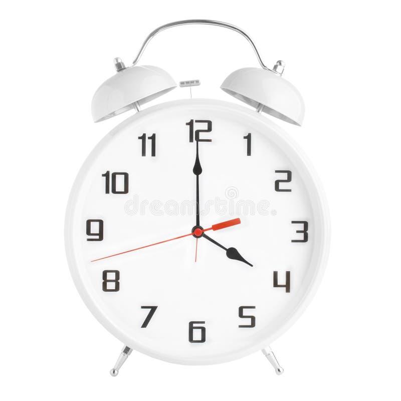 Сетноой-аналогов белый будильник показывая 4 часа изолированного на белой предпосылке стоковые изображения rf