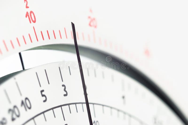Сетноой-аналогов масштаб вольтамперомметра инструмента измерения с указателем стоковые фотографии rf