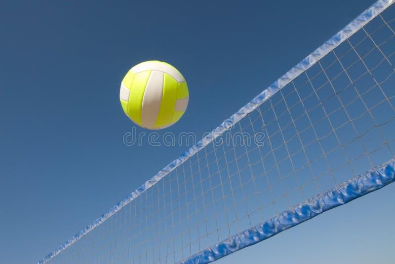 сеть над волейболом стоковое изображение