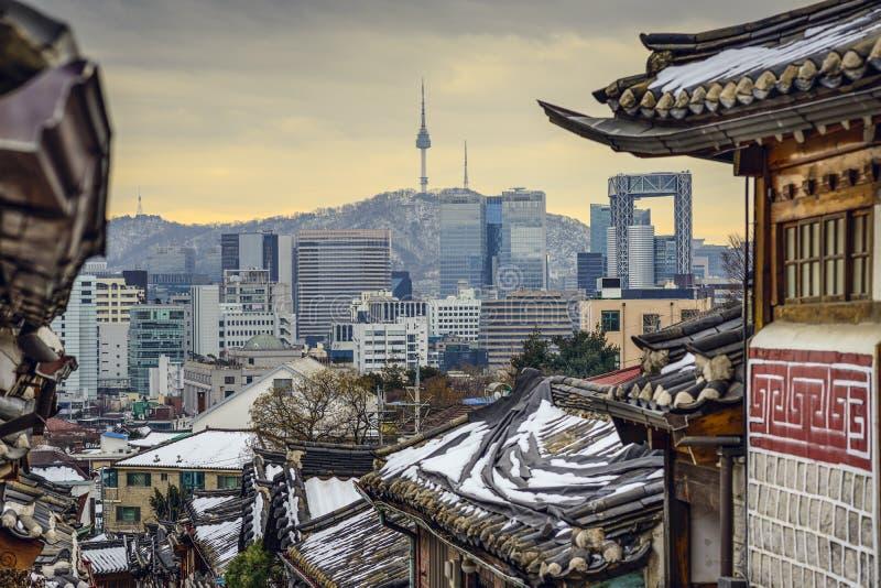 Сеул, Южная Корея историческое Distric и горизонт стоковое изображение
