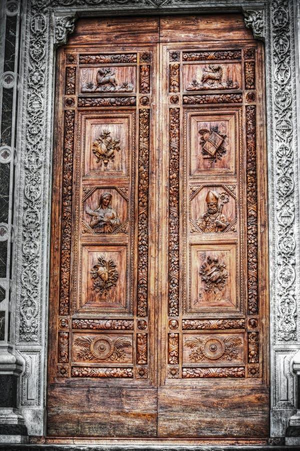 Селективная десатурация парадного входа Santa Croce стоковые изображения