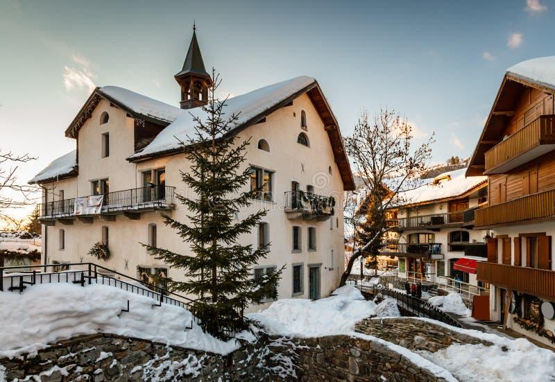 Село Megeve в вечере, француза Альпов стоковая фотография rf