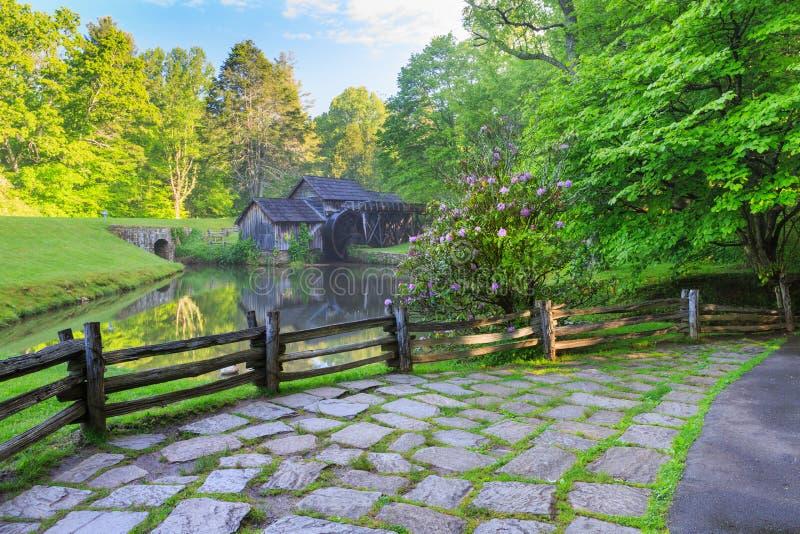 Сельская местность Вирджинии водяной мельницы стоковые изображения