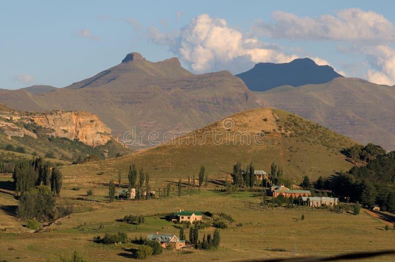 Сельский ландшафт около Clarens, Южной Африки стоковые изображения rf