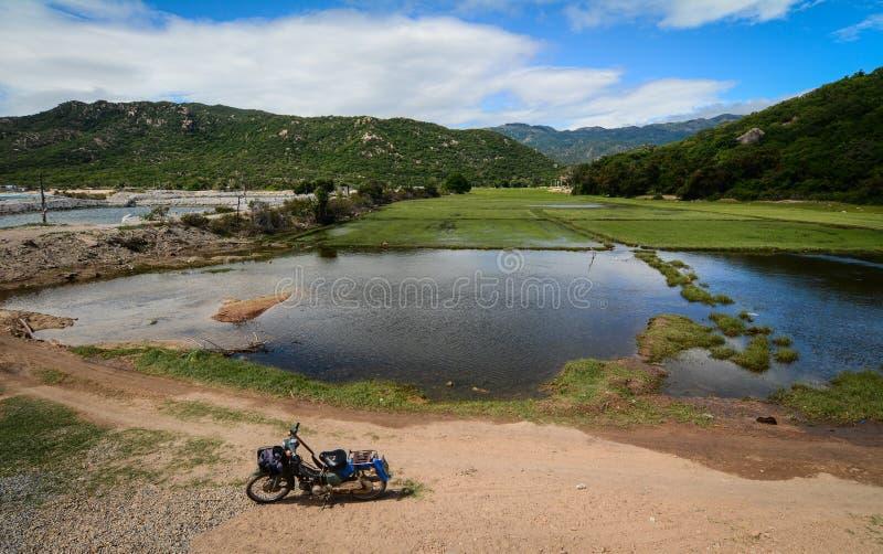 Сельский пейзаж в Phan звенел, Вьетнам стоковые фотографии rf