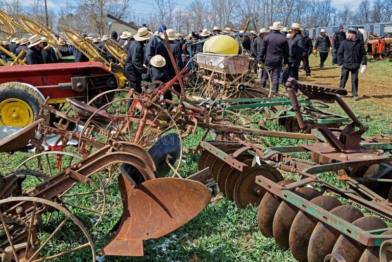Сельскохозяйственное оборудование для продажи на аукционе стоковое изображение