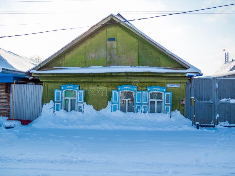Сибирский деревянный дом стоковые изображения