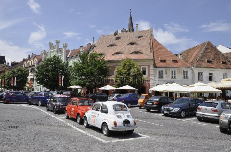 Сибиу, 16-ое июня: Взгляд улицы от малого квадрата Сибиу в Румынии стоковые фотографии rf