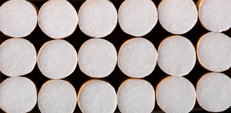 Сигареты в пакете стоковое изображение