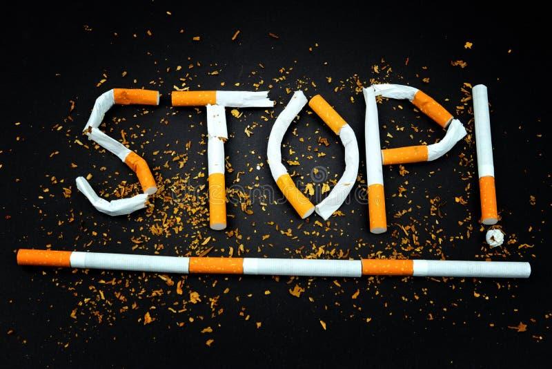 Сигареты - остановите курить мотивацию стоковые фото