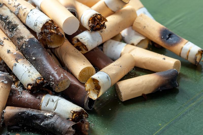 Сигареты сигареты, отрава, вред, лекарство, прекратили курить Плохое habi стоковые фото