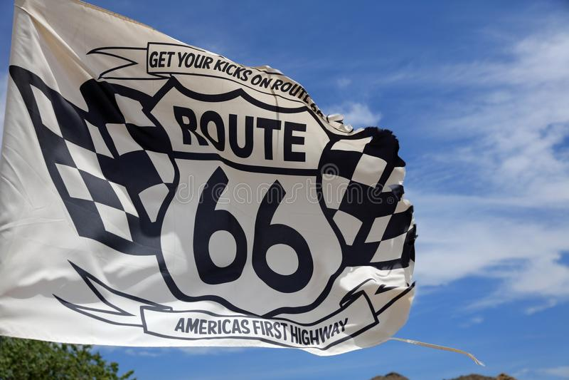 Сигнализируйте на старой станции патруля вдоль исторической трассы 66 в Hackberry аристочратов стоковые фотографии rf