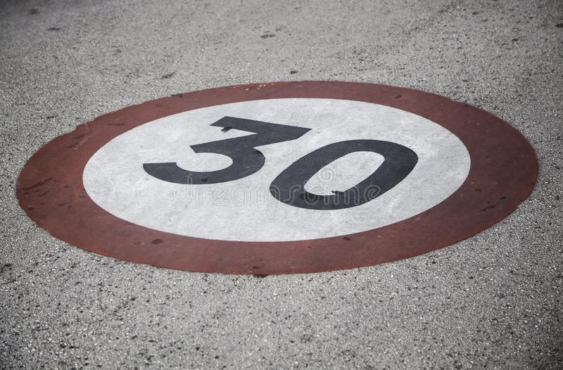 сигнал 30 скоростей стоковое изображение rf