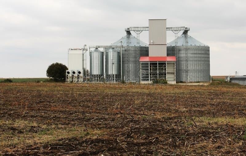 силосохранилища зерна стоковые фотографии rf