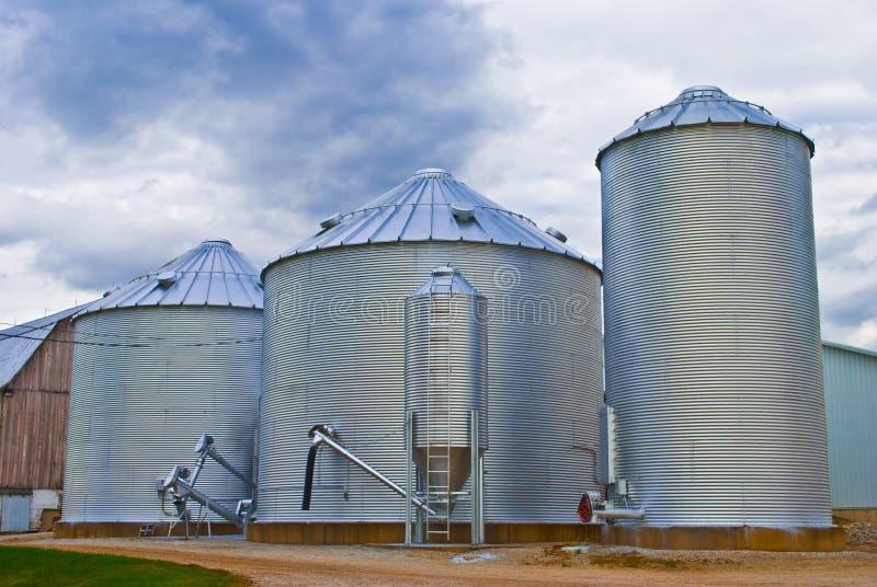 силосохранилище зерна стоковые фото