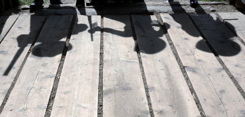 силуэты gunfighter стоковое изображение rf
