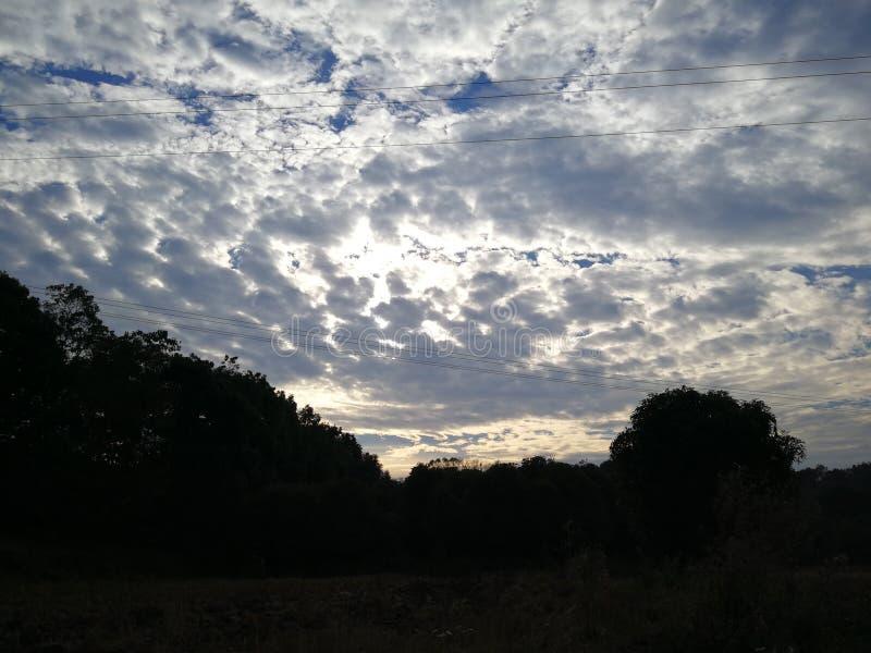 Силуэт горы стоковая фотография rf