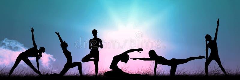 силуэт группы йоги на заходе солнца иллюстрация штока