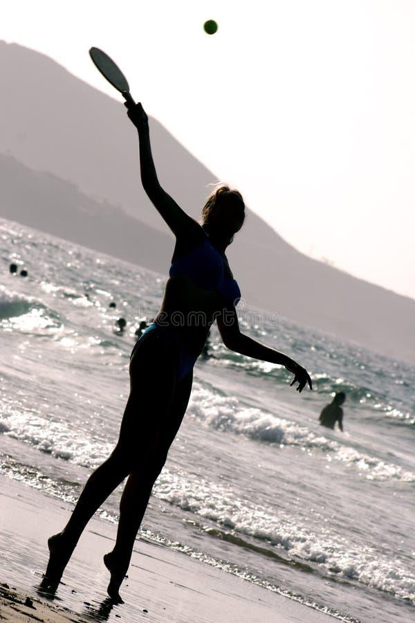 силуэт пляжа стоковые изображения rf