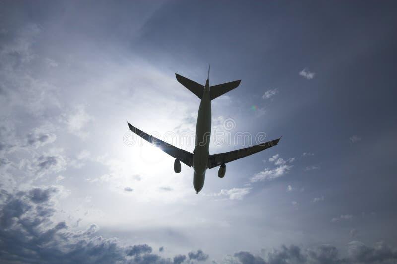 силуэт самолета стоковая фотография