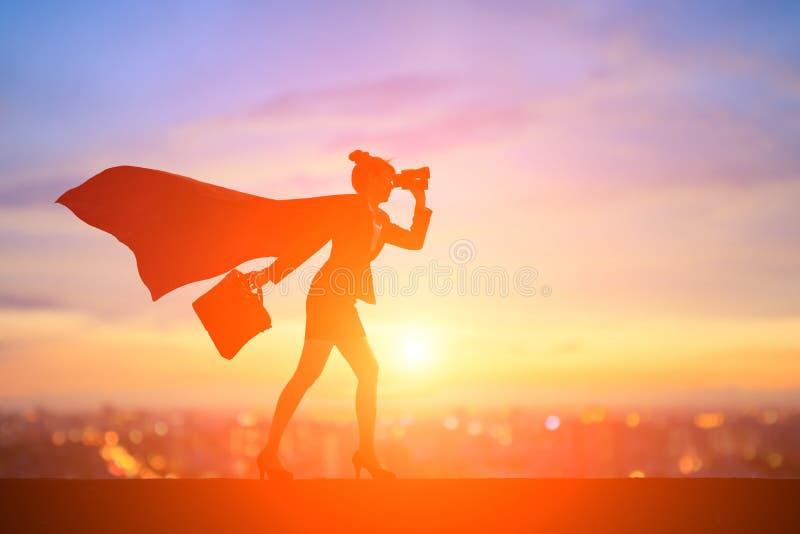 Силуэт супер бизнес-леди стоковое изображение