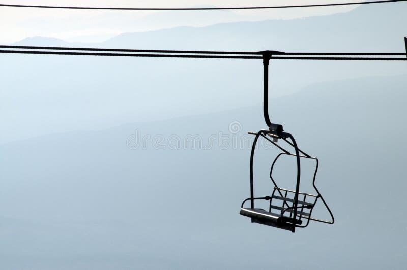 силуэт semnoz Франции chairlifts стоковая фотография