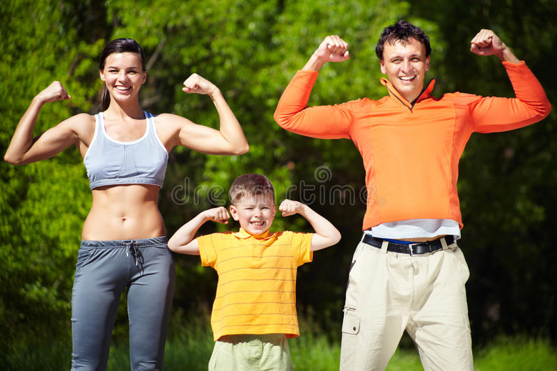 Сильная семья стоковые фотографии rf