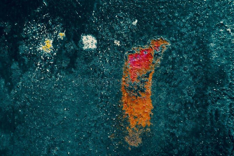 Сильная структура и интенсивный цвет на ржавом металле, абстрактной предпосылке стоковые фотографии rf