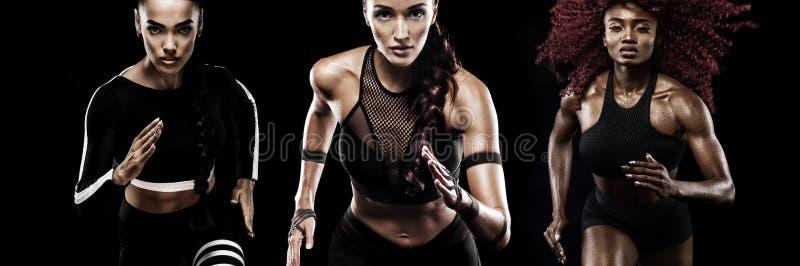 Сильный спринтер атлетических, женщин, бежать на черной предпосылке нося в мотивировке sportswear, фитнеса и спорта стоковое фото