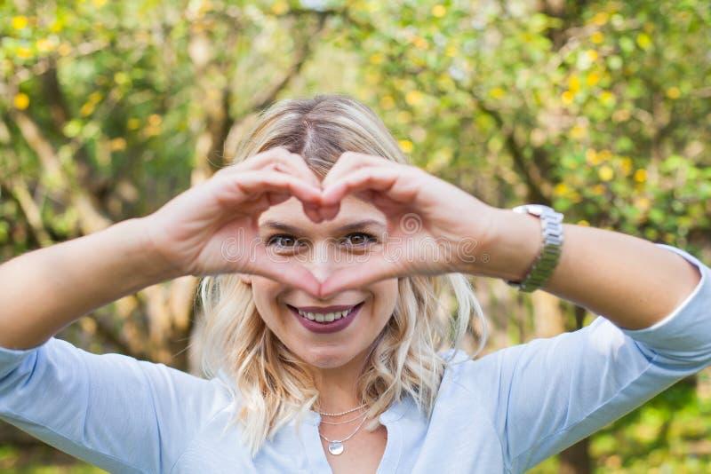 Символ сердца - портрет стоковые изображения rf