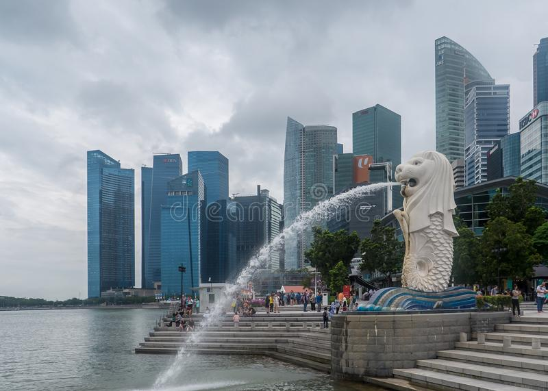 Символ Lon Сингапура с fishtail стоковая фотография