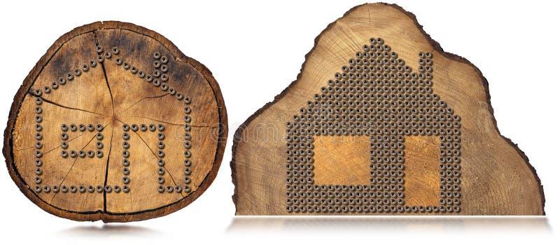 Символ дома - винты на стволе дерева бесплатная иллюстрация