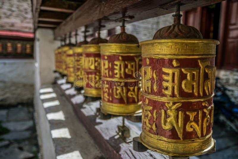 Символы буддистов в Непале, следе Annapurna стоковые фото