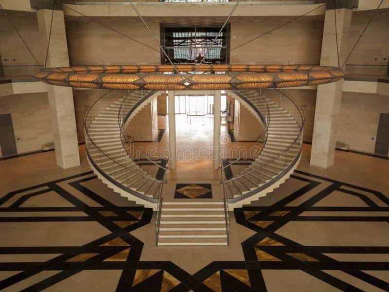 Симметричные лестницы музея исламского искусства стоковое изображение
