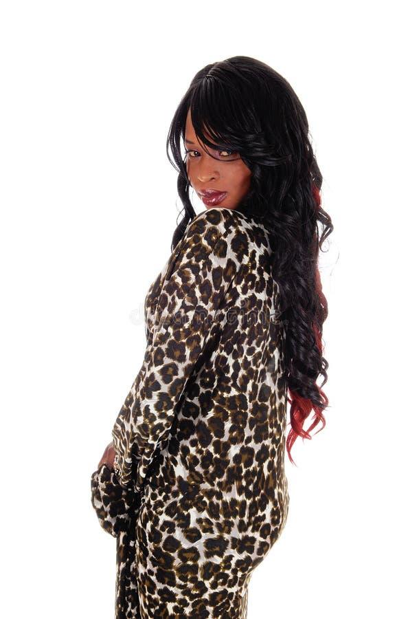 Симпатичная Афро-американская женщина от задней части стоковая фотография rf