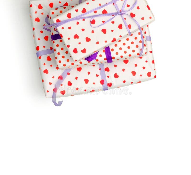 Симпатичные giftboxes на белой предпосылке стоковое изображение rf