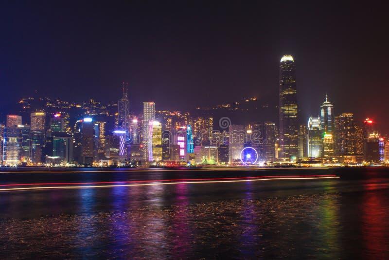 Симфонизм света в Гонконге, туризма, доски, Виктории, залива, colotful, освещает выставку, ландшафт, здание, tsui sha tsim стоковые фотографии rf