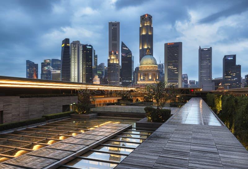 Сингапур, Сингапур - 25-ое декабря 2017: Горизонт национальной галереи Сингапура и Сингапура CBD стоковые изображения