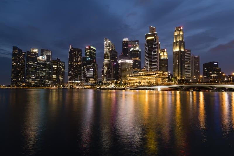 СИНГАПУР, 10-ое декабря 2017: Горизонт финансового района Singapore's стоковая фотография