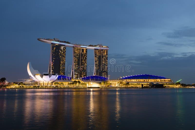 СИНГАПУР, 9-ое декабря 2017: Новый залив Марины зашкурит курорт в Сингапуре стоковая фотография rf