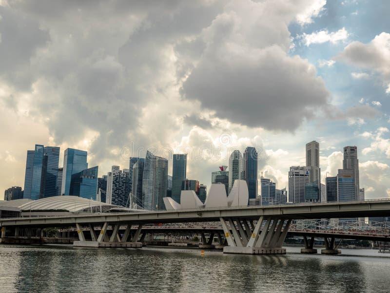 СИНГАПУР - 24-ОЕ НОЯБРЯ 2018: Залив Марины одна из самой известной достопримечательности в Сингапуре стоковое изображение