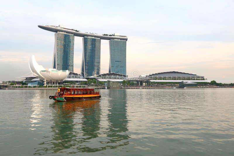 Сингапур: Такси реки стоковые фото