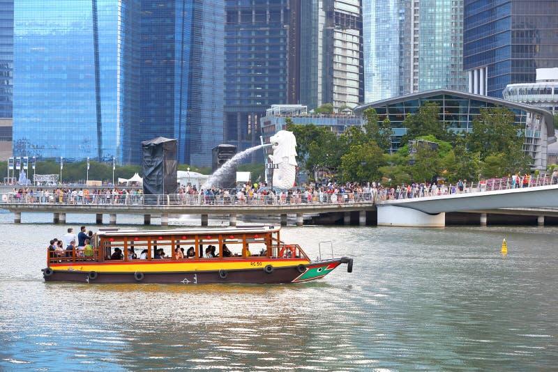 Сингапур: Такси реки стоковая фотография rf