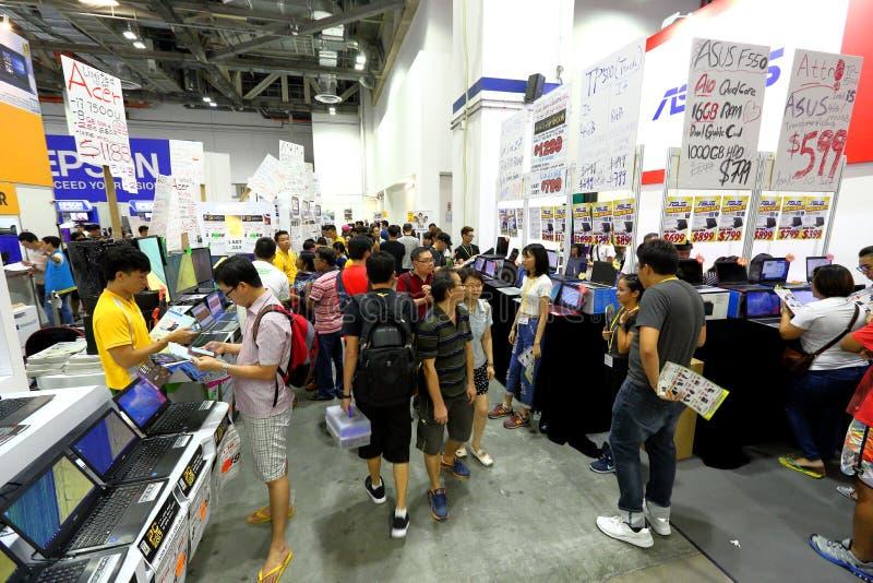 Сингапур: Шоппинг стоковые фотографии rf
