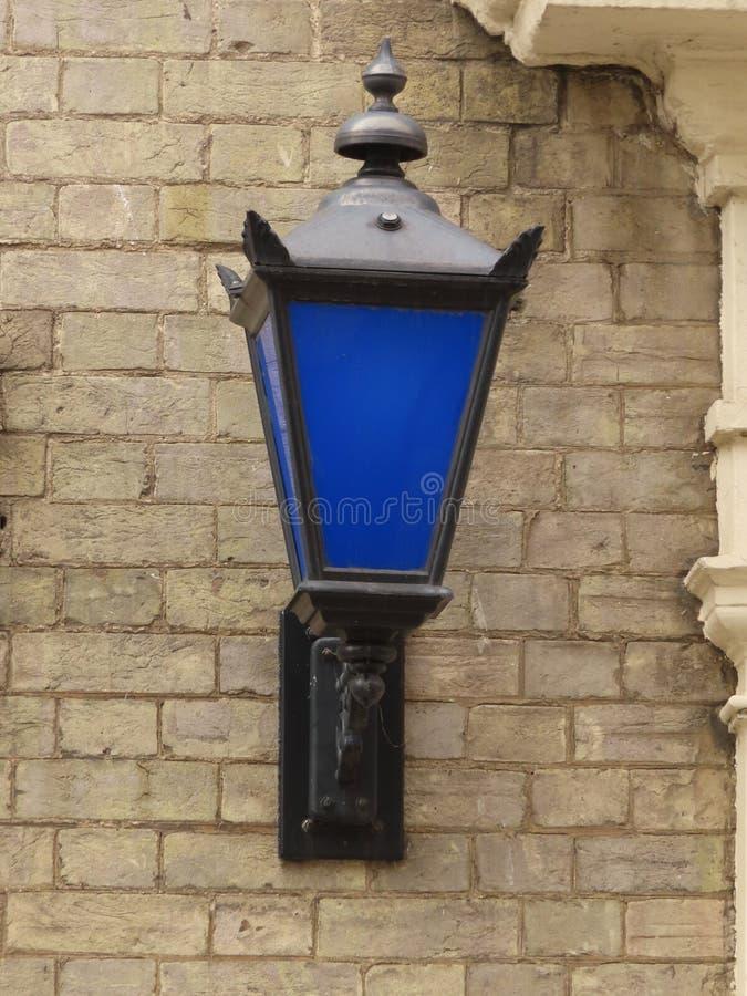 Синий фонарь стоковое изображение