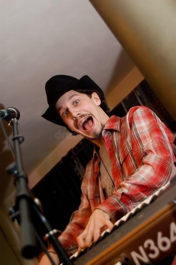 синтезатор певицы микрофона стоковое фото