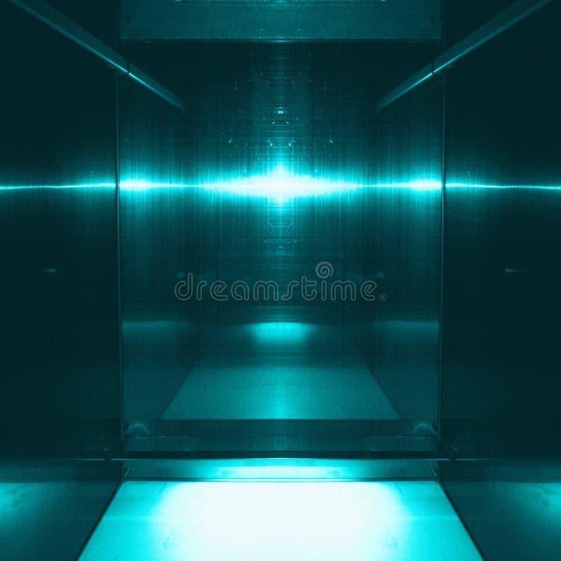 Синь отражая металлическую поверхность Технологические текстура и предпосылка Концепция индустрии стоковое фото